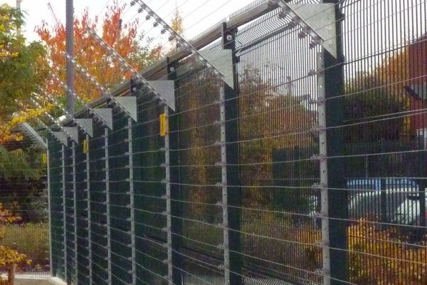 Deploying Electric Security Fencing